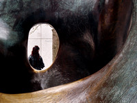 Formhole / Henry Moore Sculpture